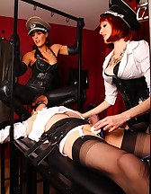 Double Domme Torment