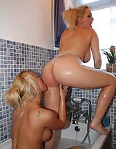 Bath Time With Rachel