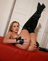 Kinky webcam girl shows it all