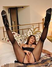 Bedroom femdom pleasures