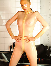 Latex rubberdoll, pic #1