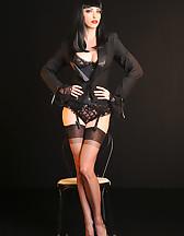 Gothic sensual tease, pic #2