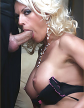 Lana Cox sucks cock, pic #7