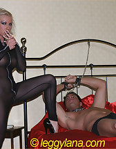 Leggy Lana and slave, pic #1