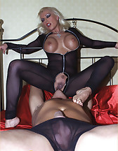 Leggy Lana and slave, pic #12