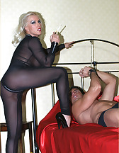 Leggy Lana and slave, pic #2
