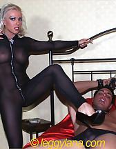 Leggy Lana and slave, pic #4