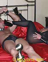 Leggy Lana and slave, pic #7