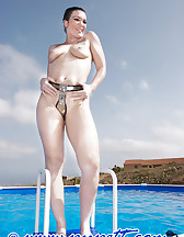 Swimming pool story, pic #12