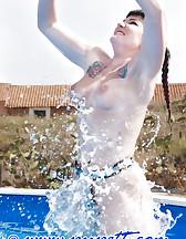 Swimming pool story, pic #2