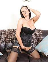 Lucy in black lingerie, pic #4
