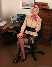 Hot blonde secretary, pic #1