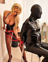 Lucy and The Gimp, pic #2