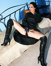 Wearing leather gets me so horny, pic #5