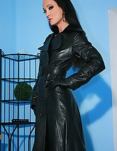 Wearing leather gets me so horny, pic #9