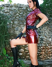 Rock chick strips in the garden, pic #14