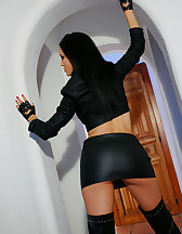 I love my vibrator and leather, pic #2