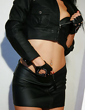 I love my vibrator and leather, pic #5
