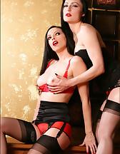 Lesbians in lingerie, pic #2
