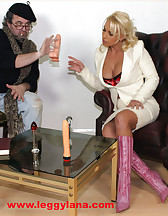 Lana Cox enjoying dildo, pic #2