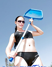 Clean a swimming-pool, pic #4