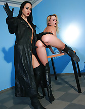 Slave girl gets interviewed for job, pic #10