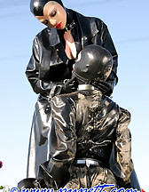 Spring walk in rubber, pic #9