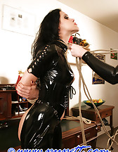 I met with my friend Jill Diamond. The welcome was, as always, very tenderly. But when she told me it took between the legs, which went too far. But Jill does not tolerate opposition... Today I have another video for you. A relaxed summer