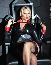 Mistress in the Dungeon, pic #3
