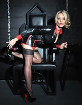 Mistress in the Dungeon, pic #4
