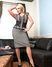 Office Girl, pic #1