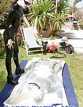 The vacuum bed, pic #4