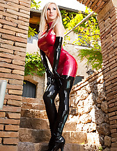 Foxy Latex Princess, pic #2