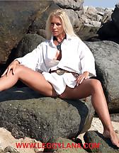 Bitch on a beach, pic #2