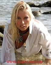 Bitch on a beach, pic #7