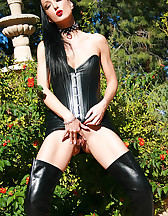 Outdoor masturbation in leather, pic #13