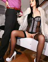 Gloved Lady loves to fuck in fur, pic #7