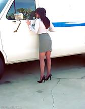 Women captured to the van, pic #1