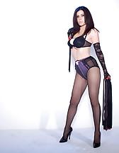 Sex slave posing, pic #1