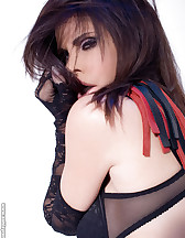 Sex slave posing, pic #5