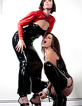 Mistress in latex and Ashley Renee, pic #11