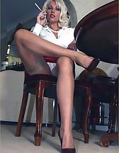 Smoking slut, pic #2