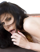 Ashley gagged and strapped, pic #3