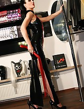 Real life latex fitting in Munich, pic #7