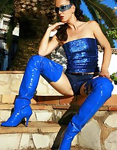Exotic tease in shiny PVC boots, pic #6