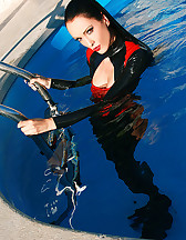 Wet games in shiny black latex, pic #9