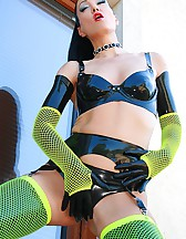 Kinky in black latex and fishnets, pic #5