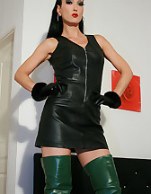Horny in green leather boots, pic #2