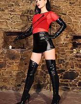 Elite Dominatrix in leather, pic #1