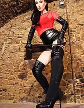 Elite Dominatrix in leather, pic #4